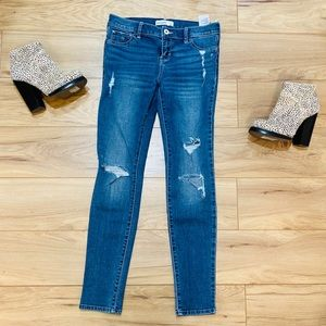 Abercrombie and Finch skinny jeans Destroyed